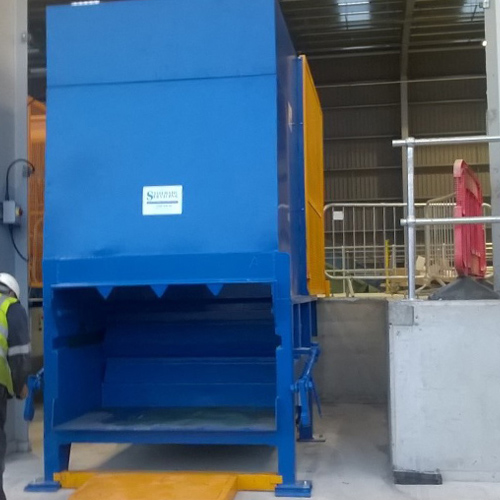 Static Compactor with Off Dock Rear Loading